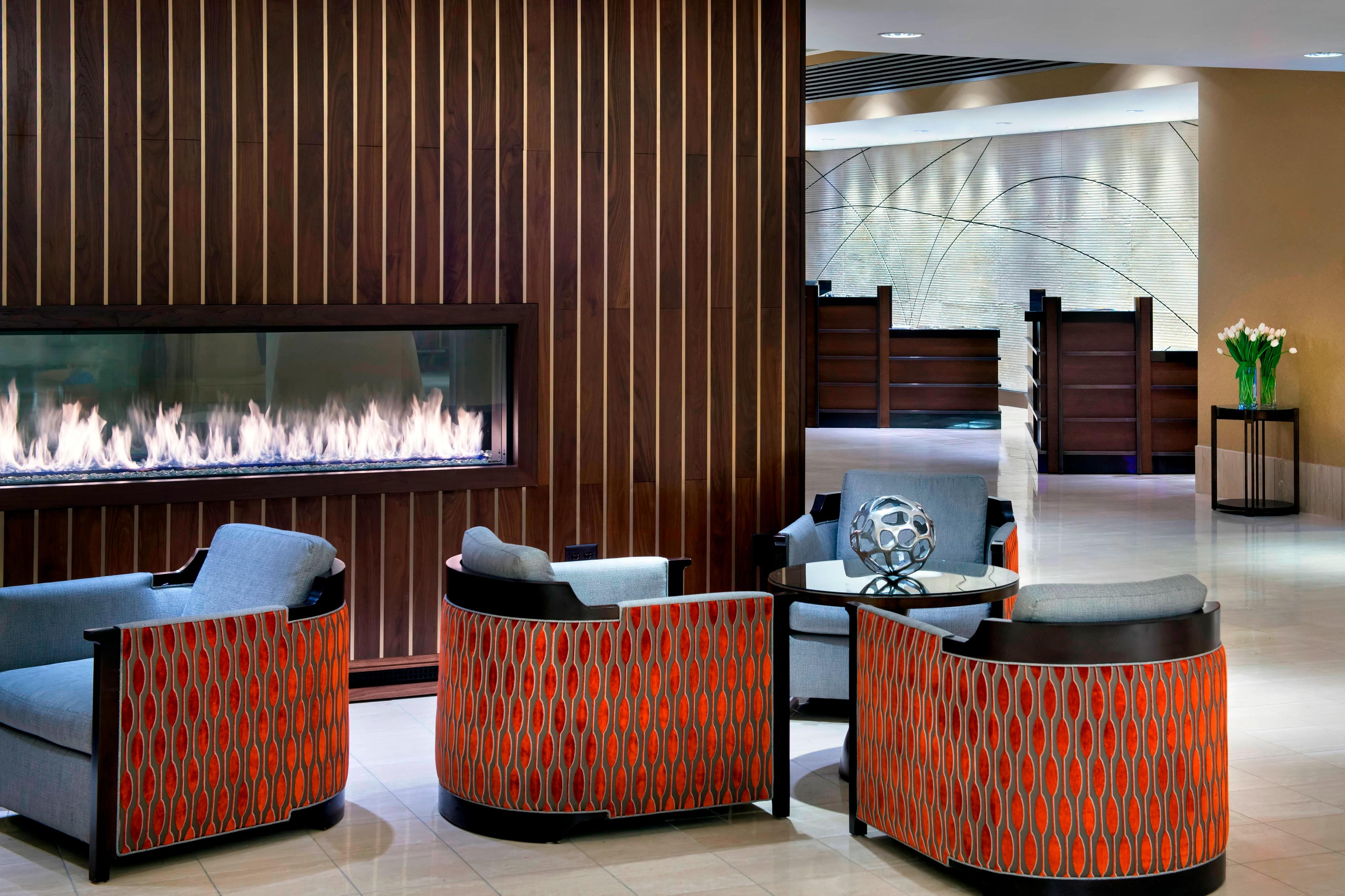EWR hotel lobby seating area