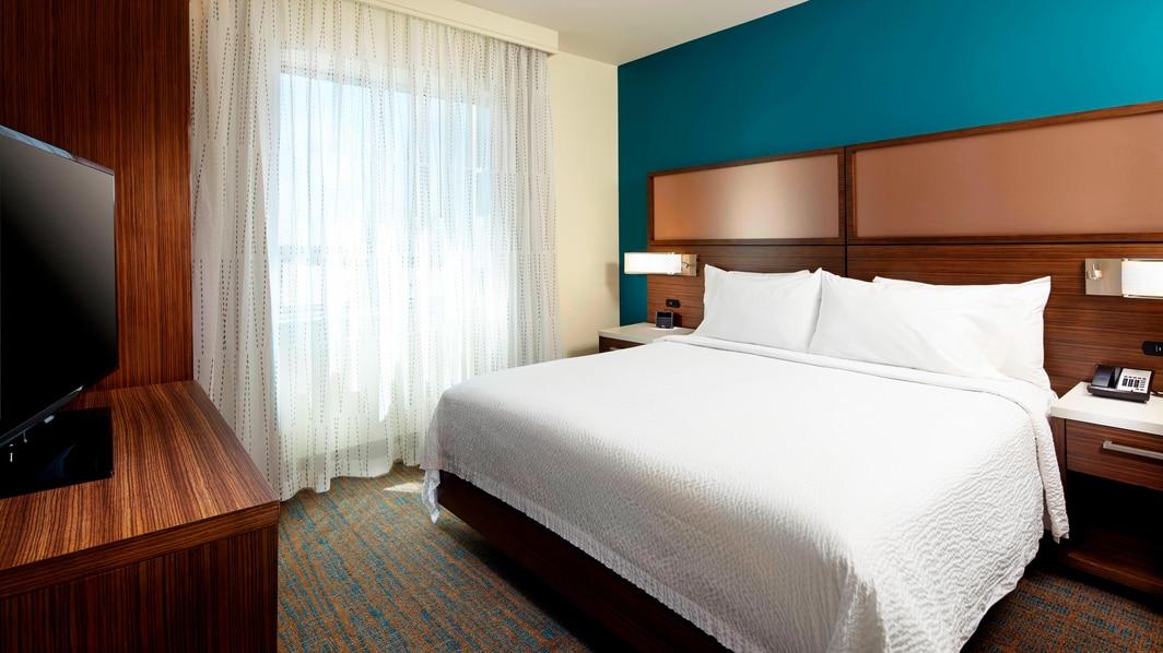Residence Inn Secaucus Suite Bedroom