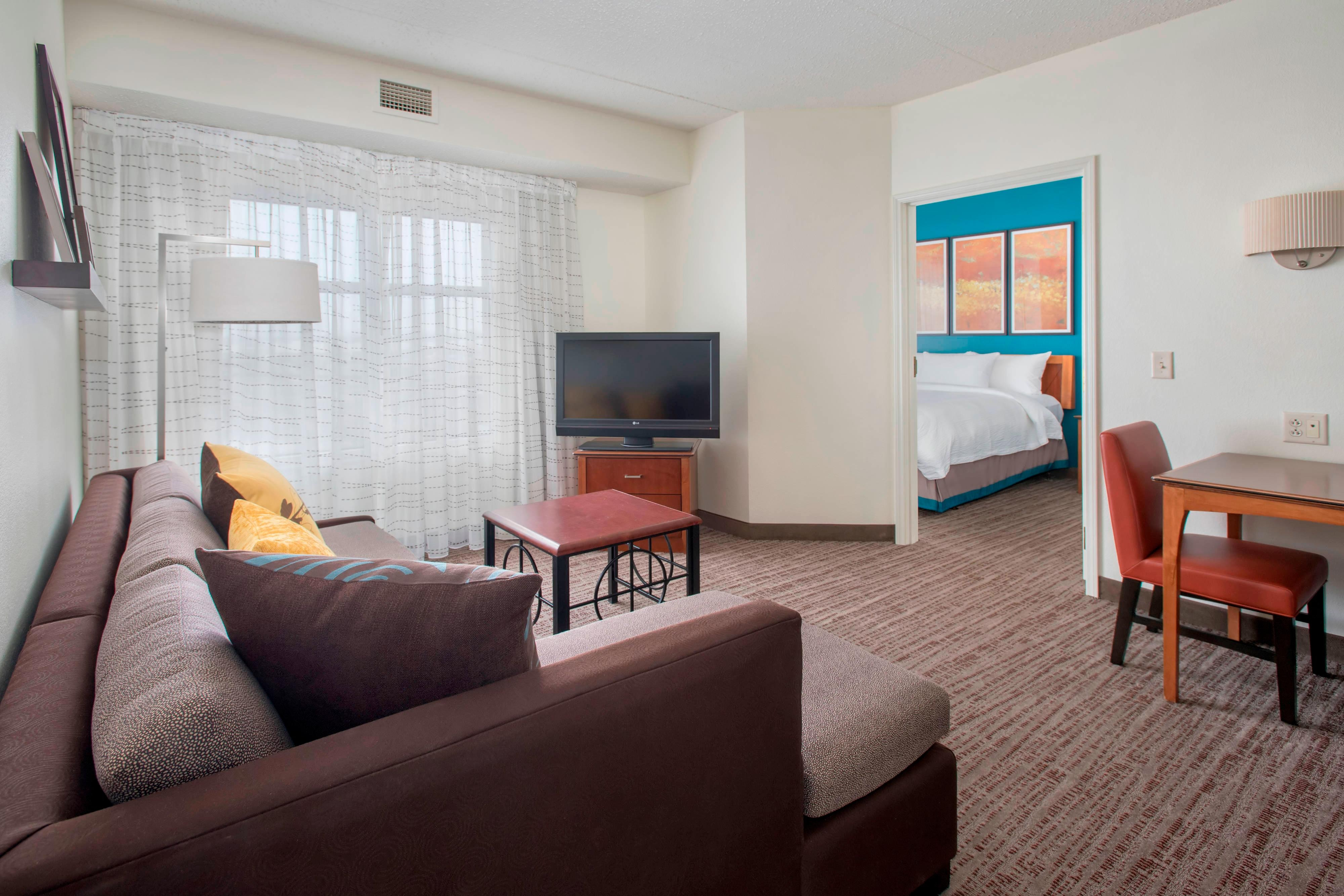 High Quality Newly Renovated. 1 Bedroom Suite ...