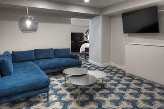King Deluxe Junior Suite - Living Area