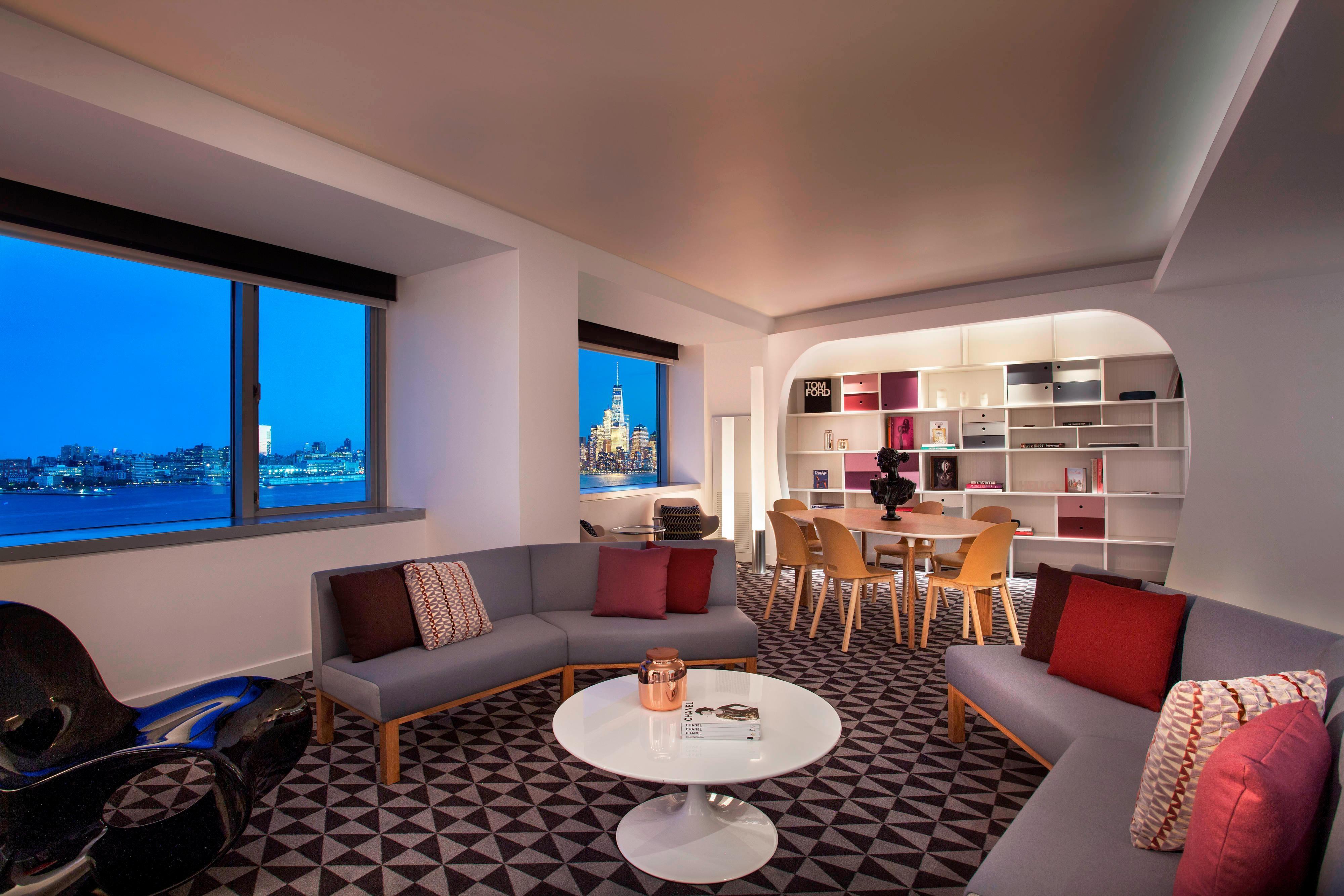 EWOW Suite - Bedroom