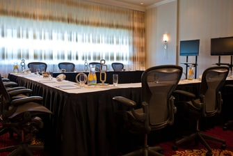 Newark Airport hotel meeting room