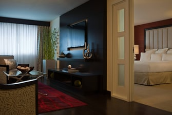 Newark airport hotel suite