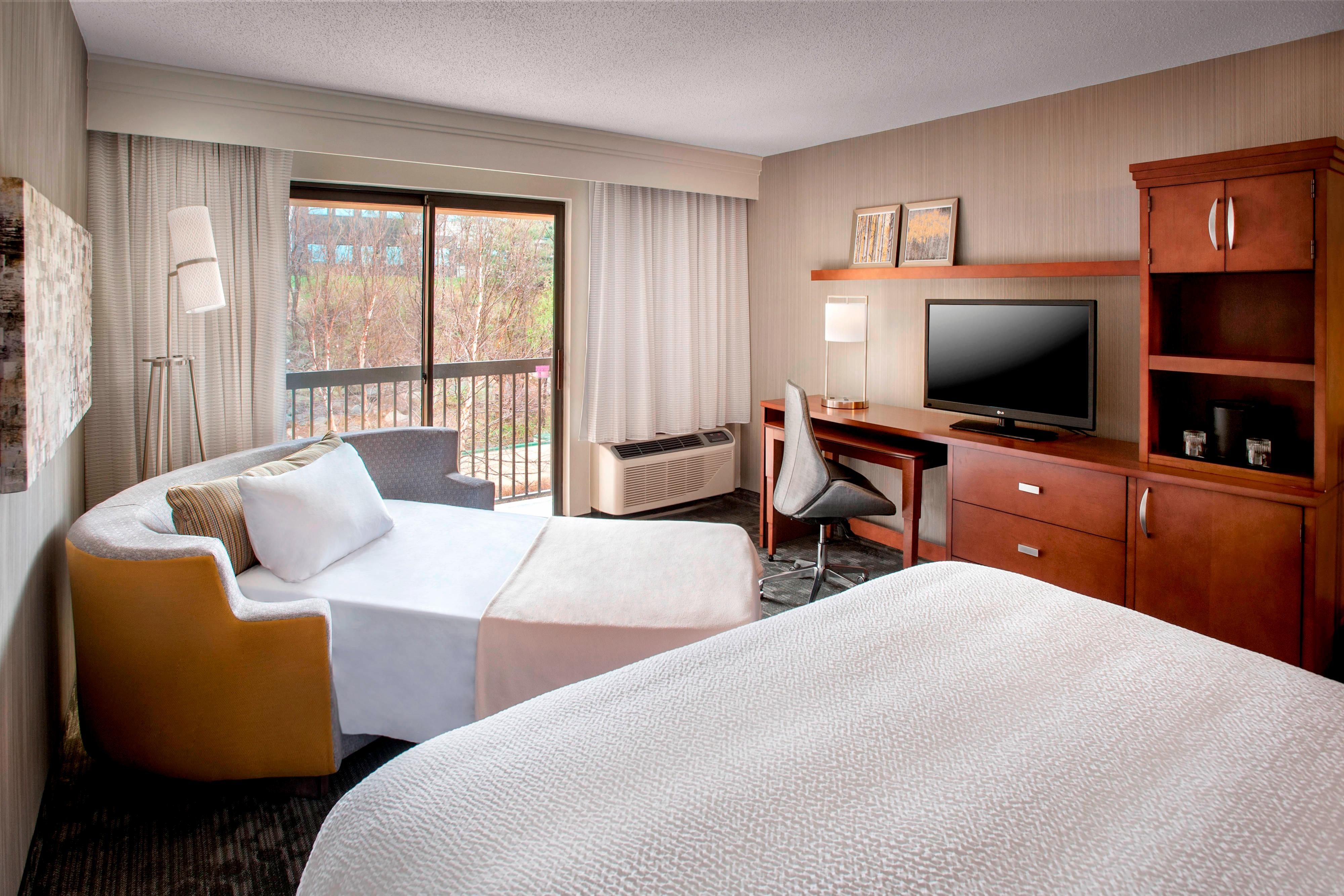 Parsippany Suites And Hotel Rooms In New Jersey