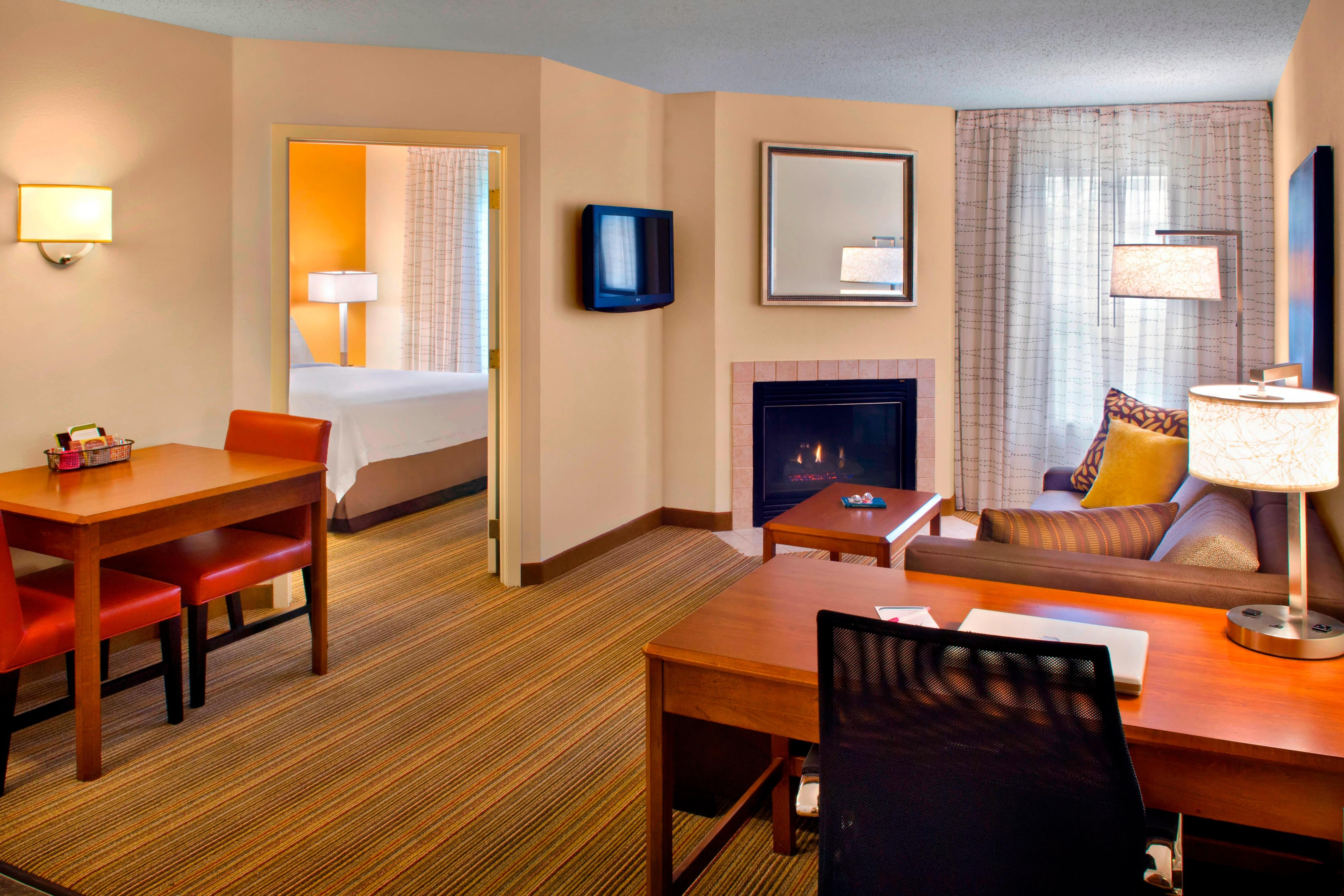 Parsippany NJ Hotel One Bedroom Suite
