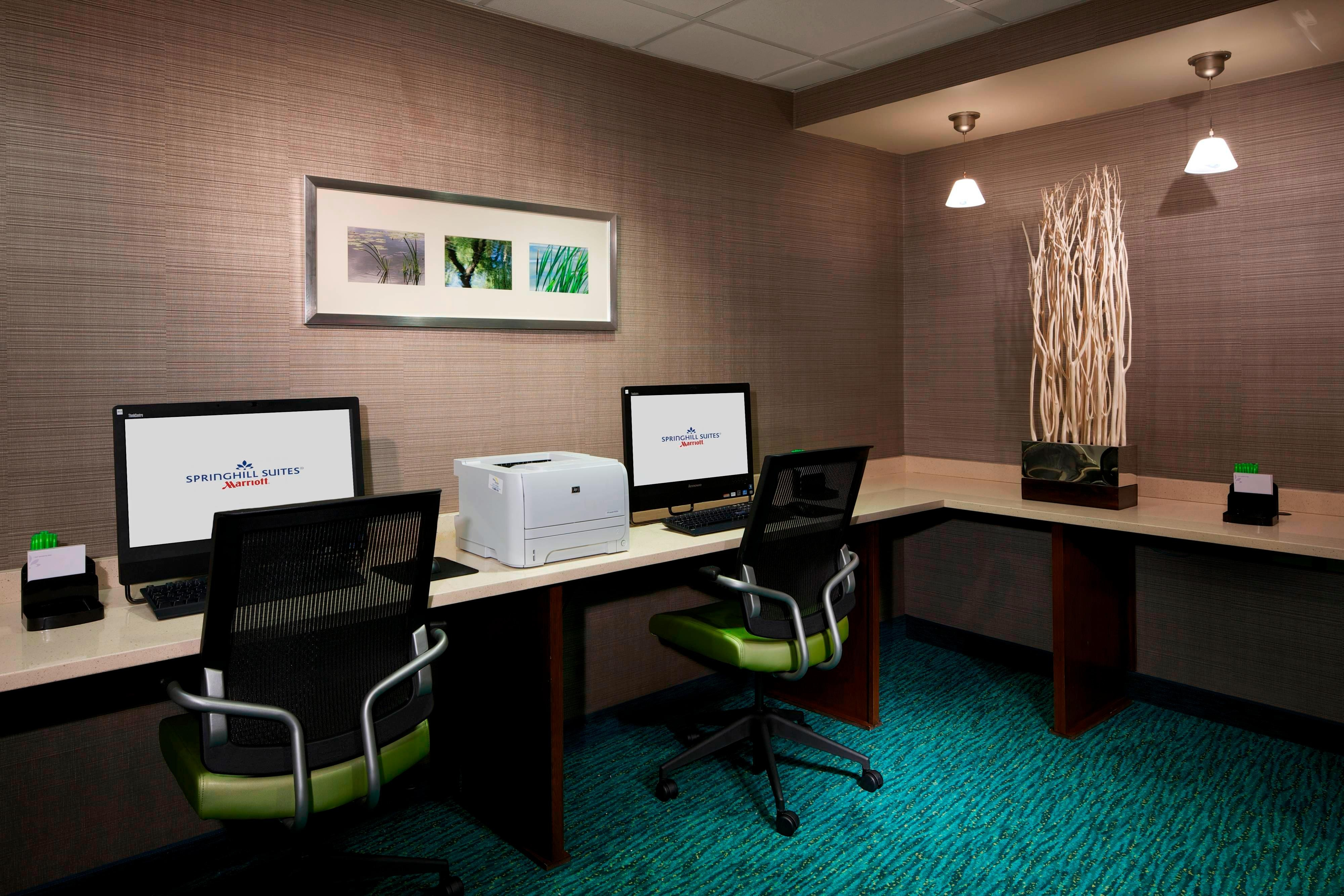 Newark Airport Hotel Business Center