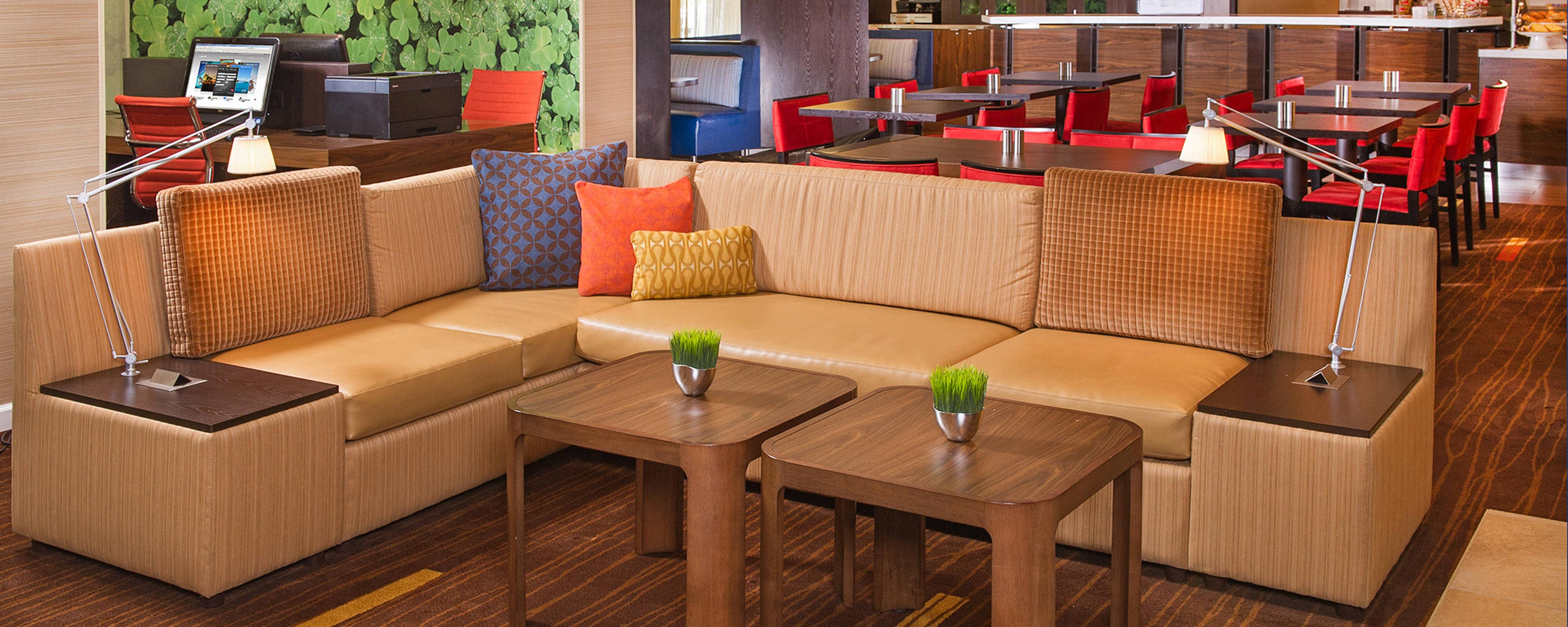 Secaucus Meadowlands Hotel - Seating Area
