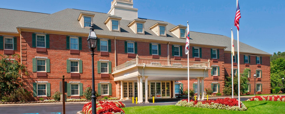 The 10 Best Hotels in Tinton Falls, Red Bank - Tinton ...