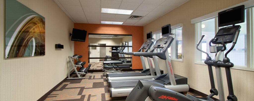 Fitness Center – Hotels in West Orange