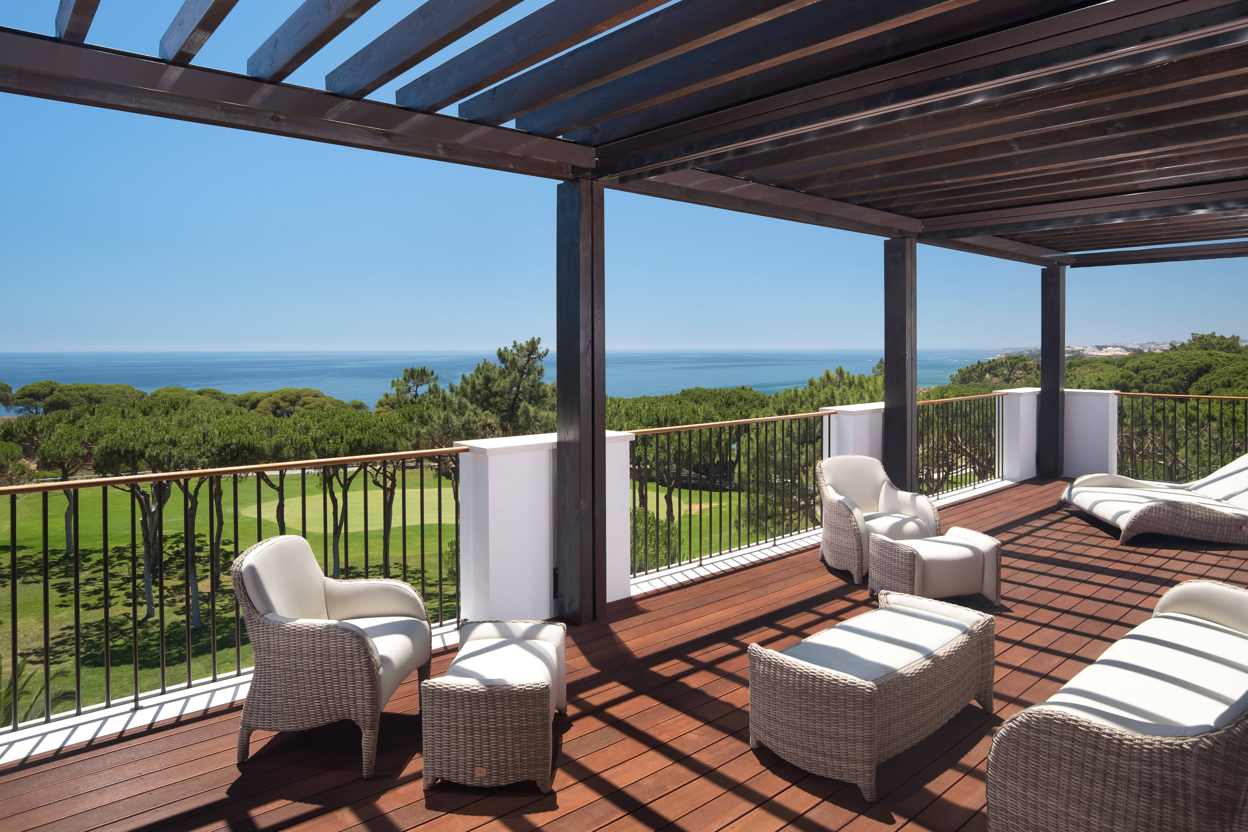 Penthouse Presidential Ocean Suite