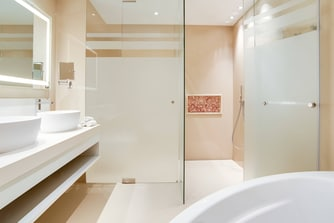 Premium Duplex Suite - Bathroom