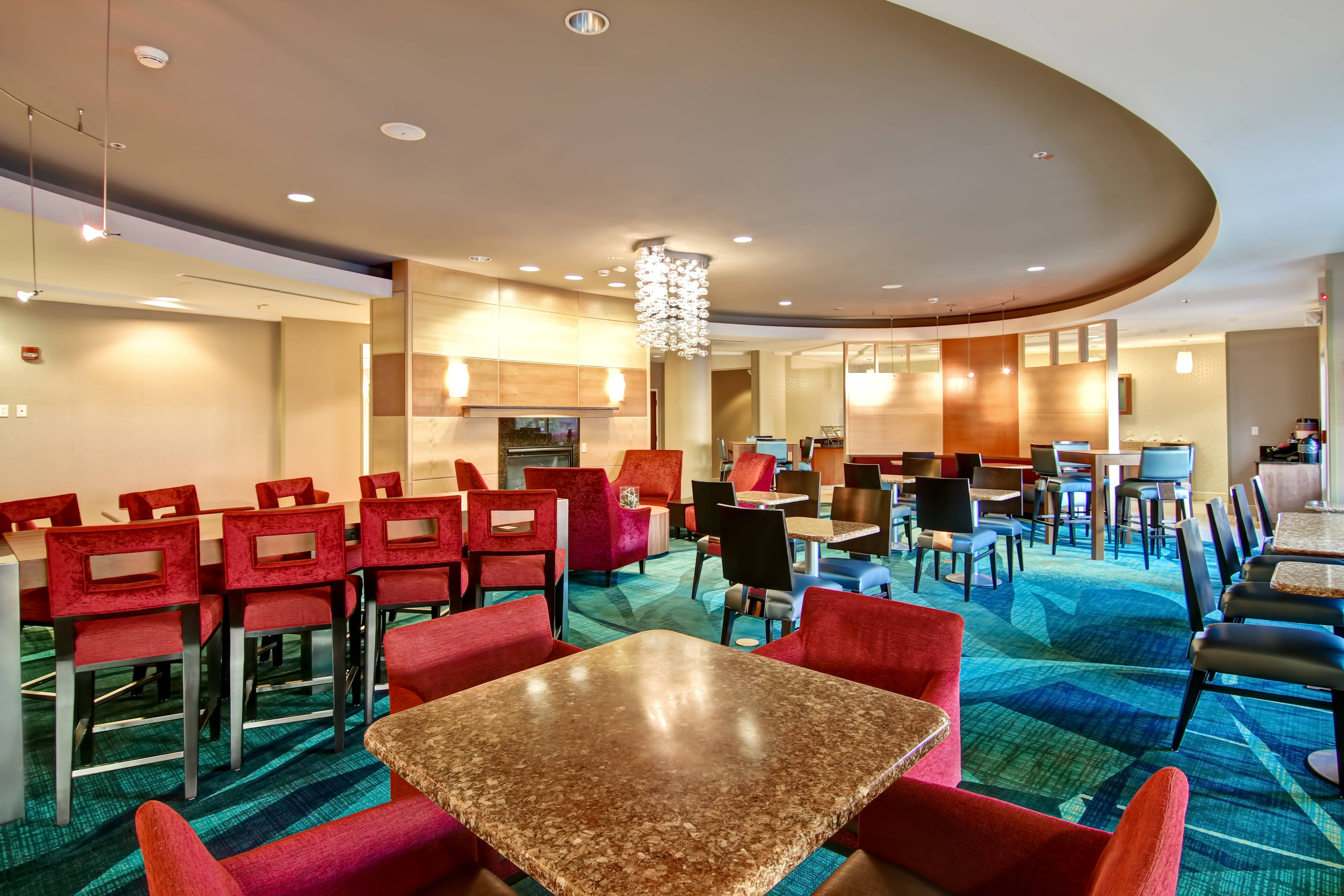 hotels in fresno free breakfast
