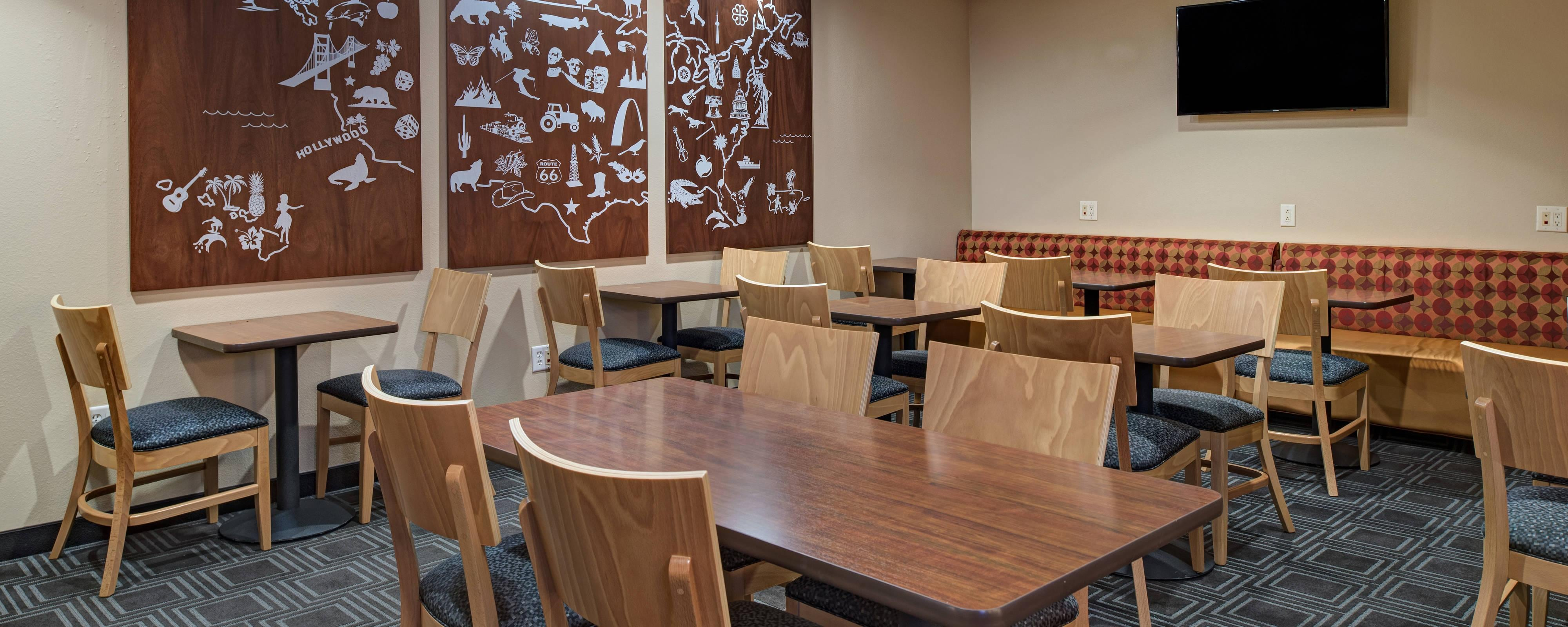 Fayetteville hotel restaurants | TownePlace Suites Fayetteville ...
