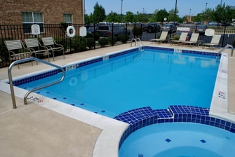 Fredericksburg Hotel Outdoor Pool