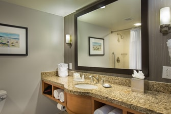 Courtyard Fort Lauderdale Beach Bathroom