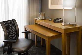 Courtyard Fort Lauderdale Beach Guest Room Work Desk