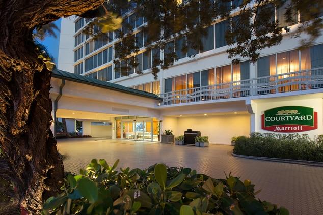 Courtyard Fort Lauderdale Beach.