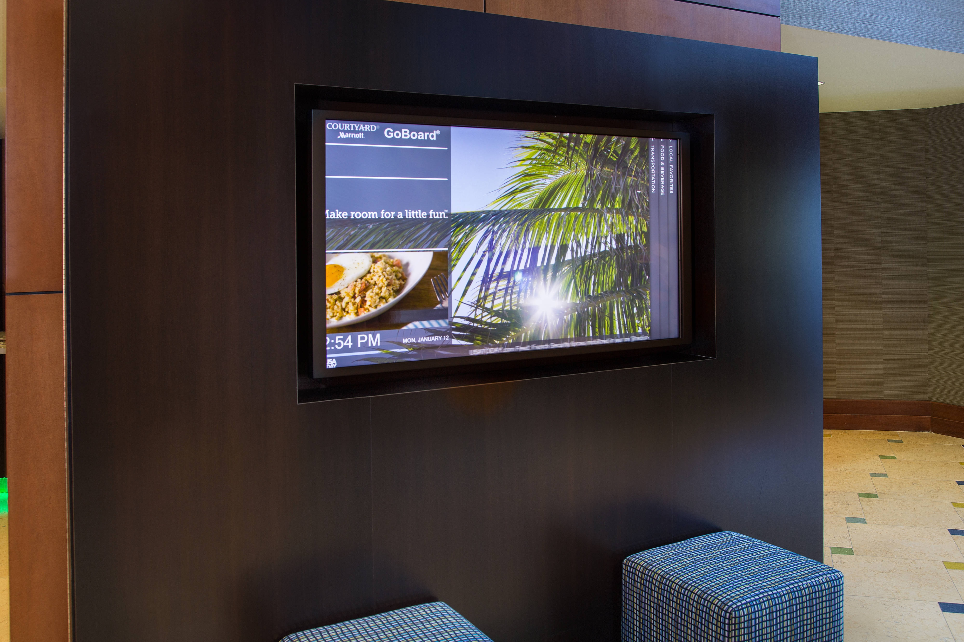 Tablero interactivo del Courtyard Fort Lauderdale Beach