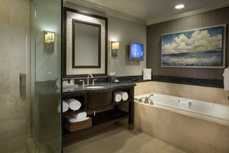 Courtyard Fort Lauderdale Beach Presidential Suite Bathroom
