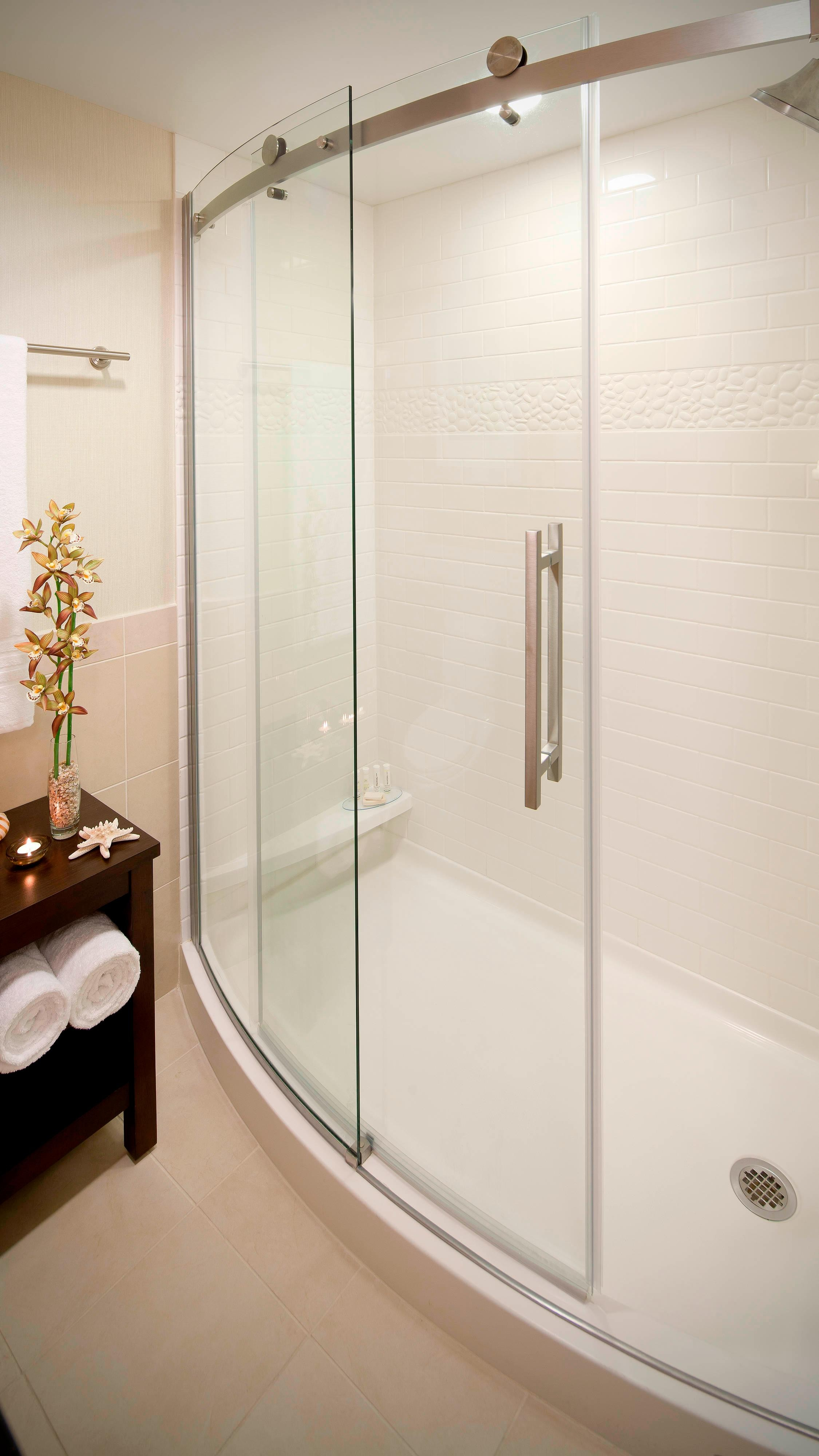 Fort Lauderdale hotel  glass shower