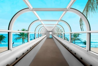 Skywalk to beach