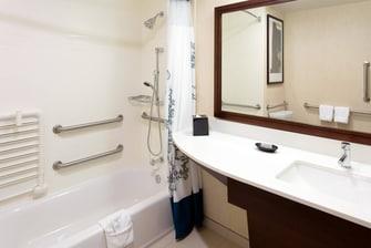Plantation FL Hotel Suite Bathroom