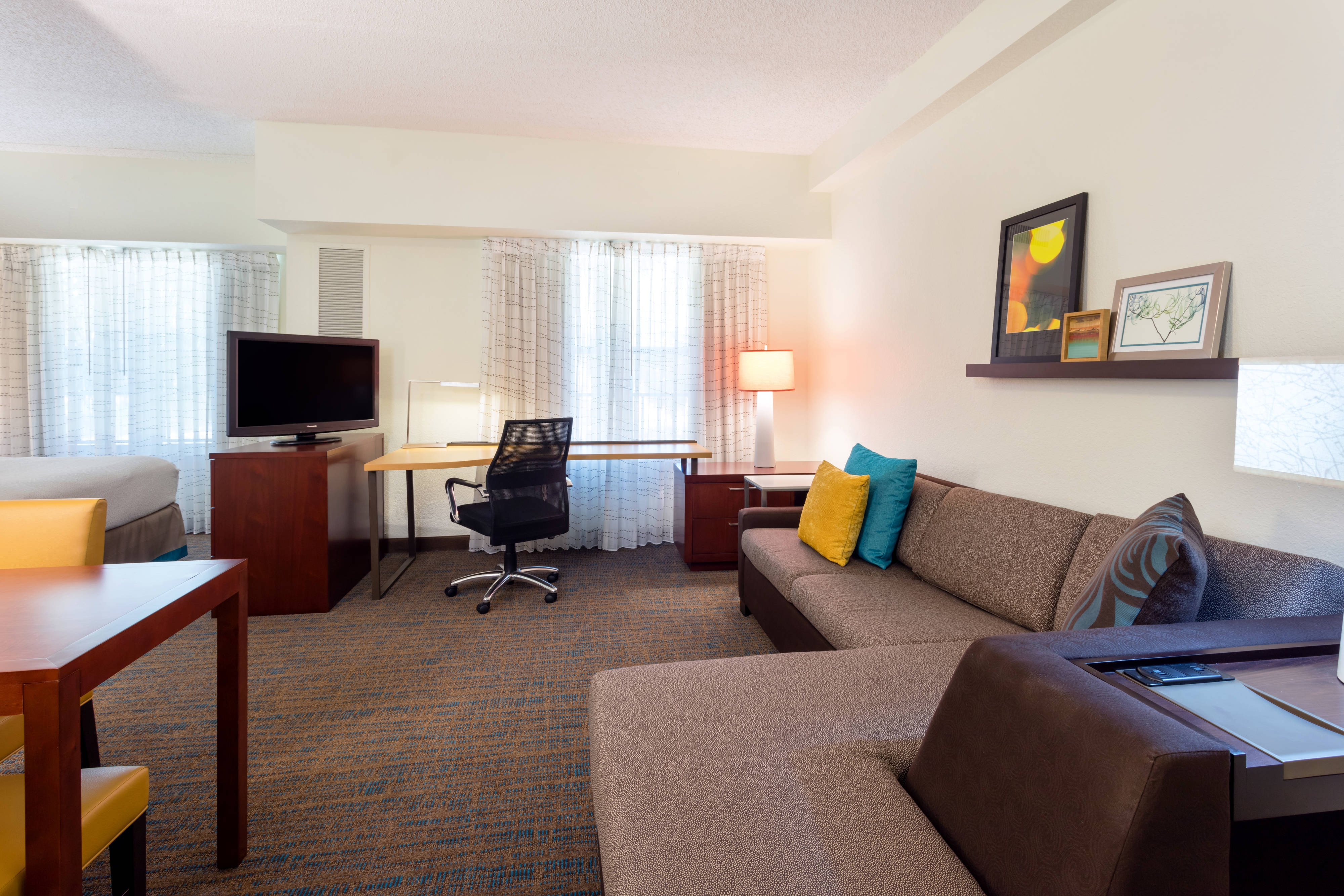 Long term stay hotel near joe dimaggio children s hospital - What is a sofa bed ...