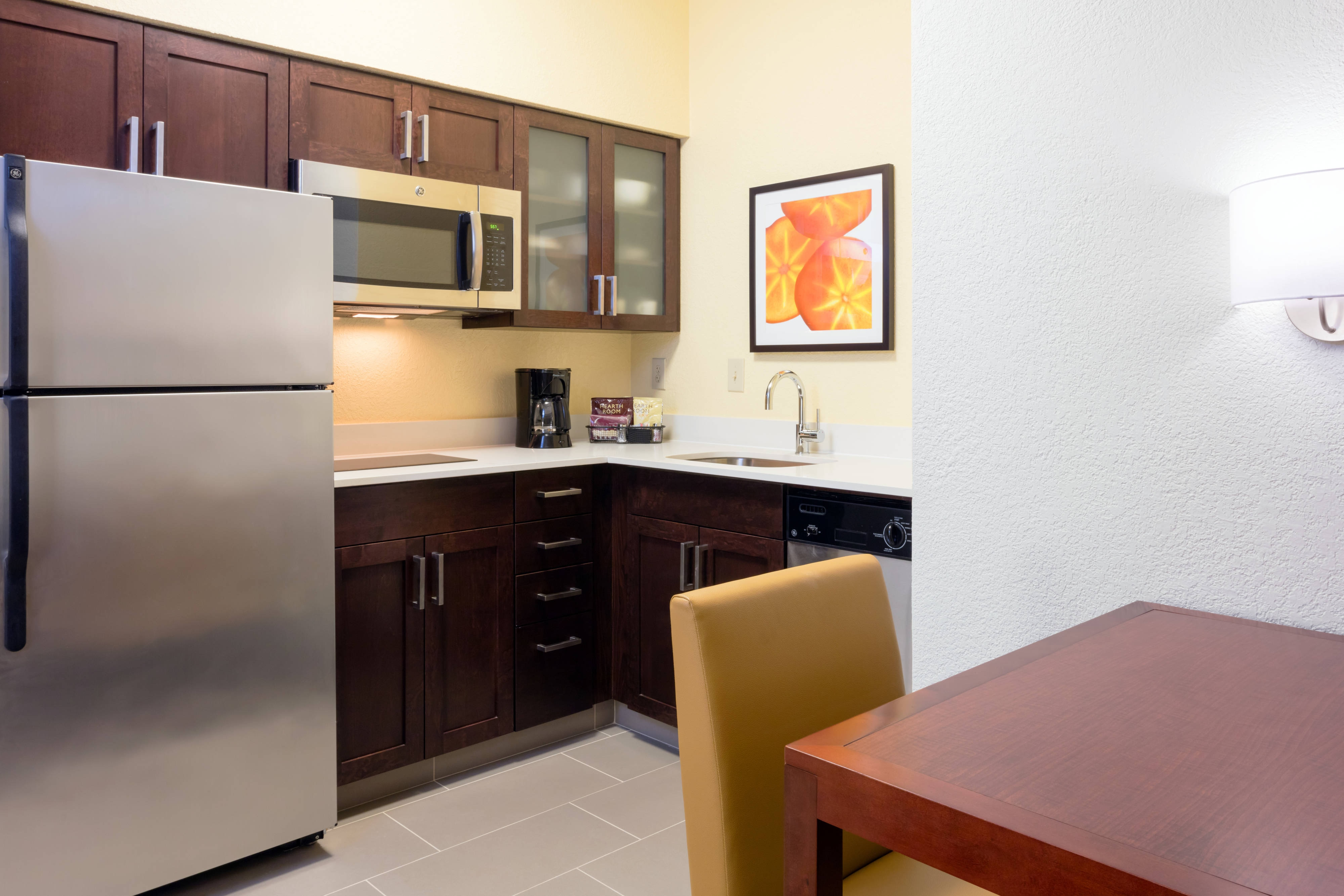 Plantation FL Hotel Suite Kitchen