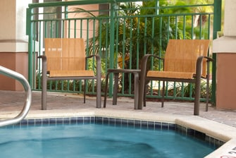 Spa al aire libre del Courtyard Fort Lauderdale Weston