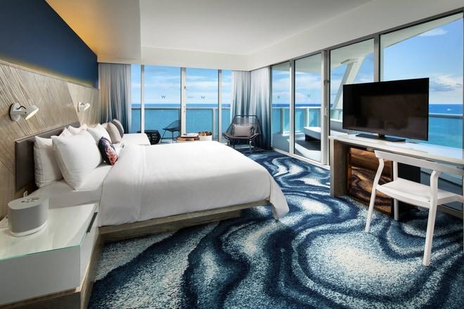 Cool Corner Ocean Front Room