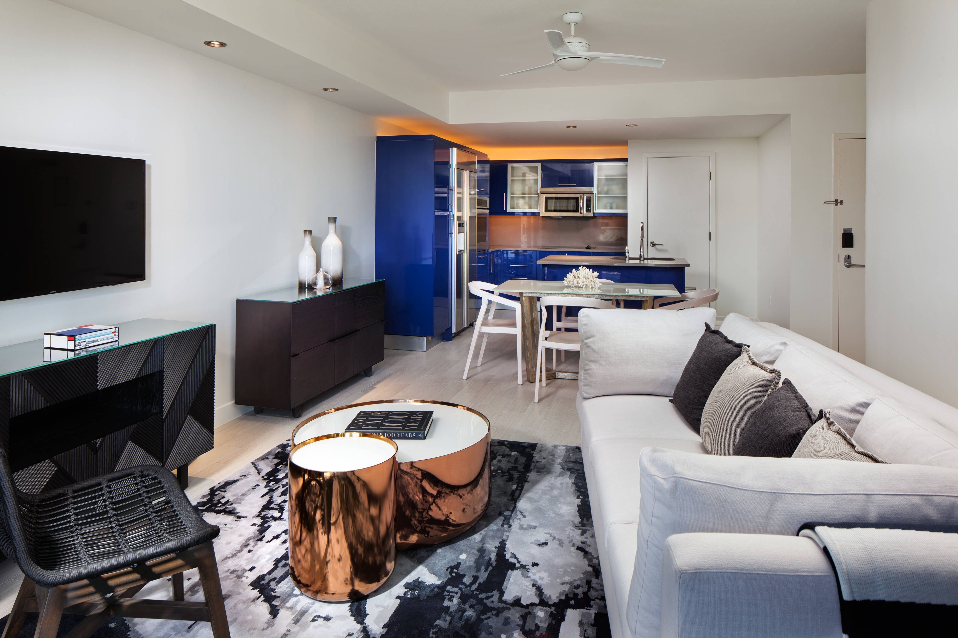Escape Residence Suite - Living