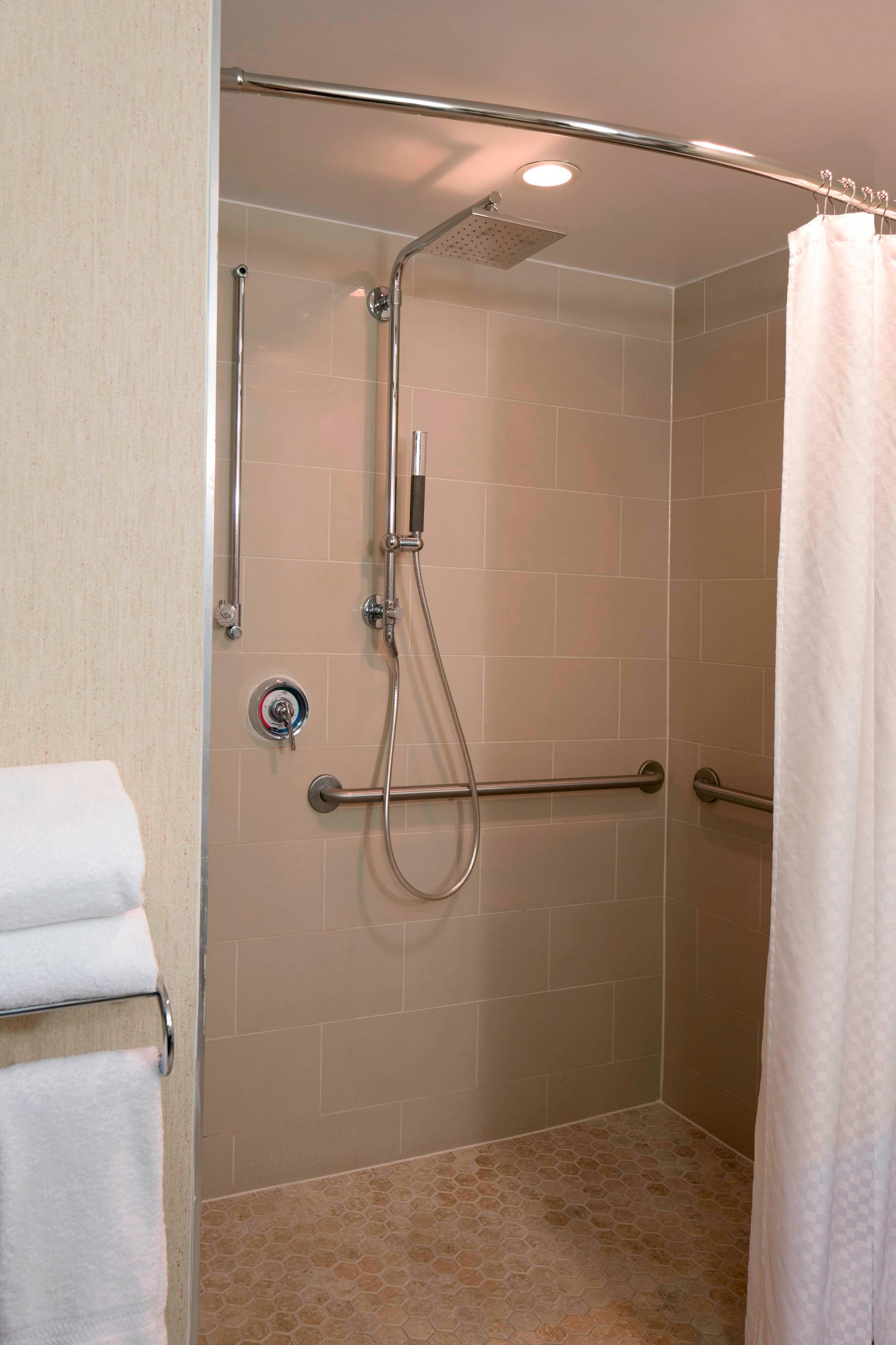 Accessible Room Bathroom