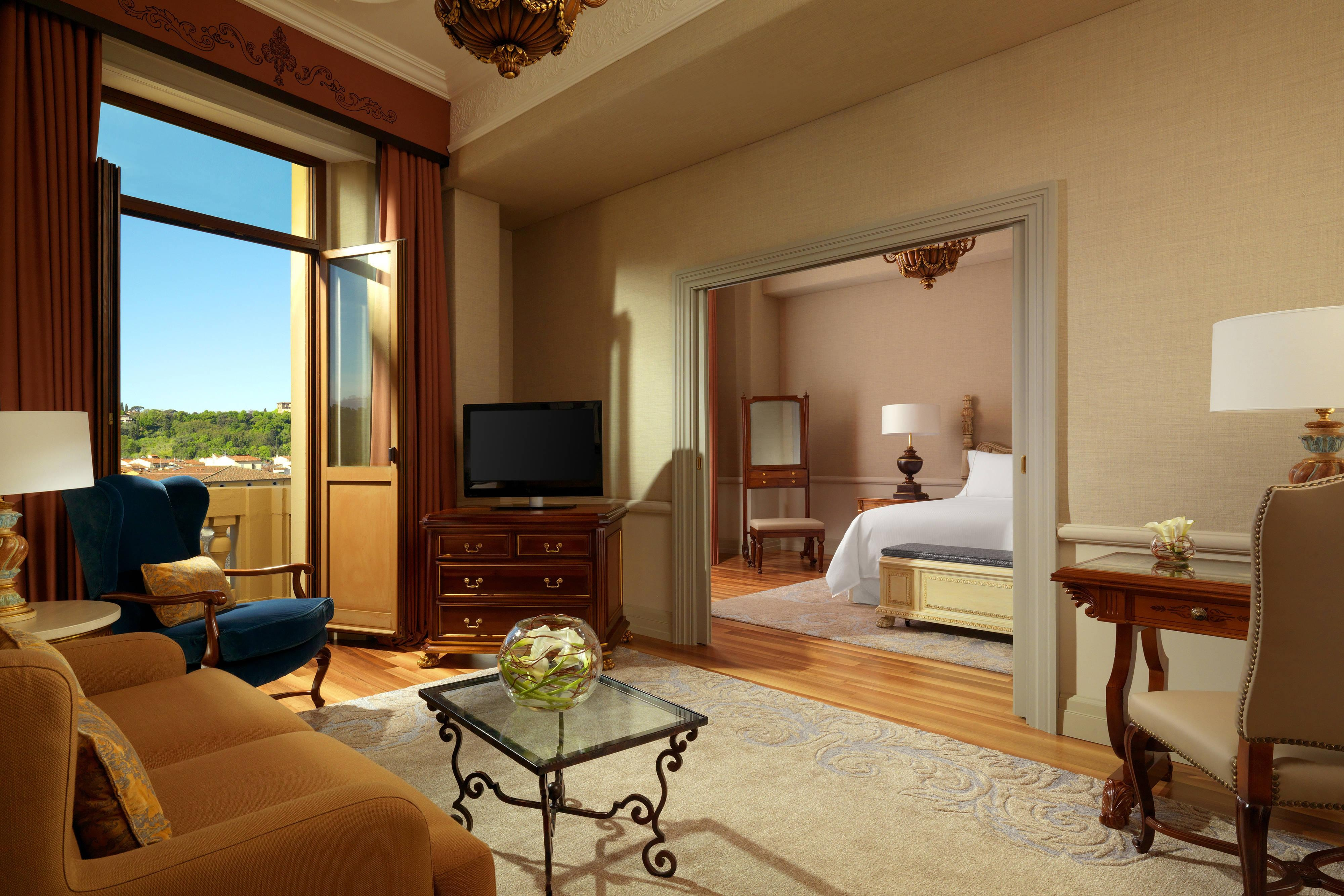Junior Suite with Arno River View