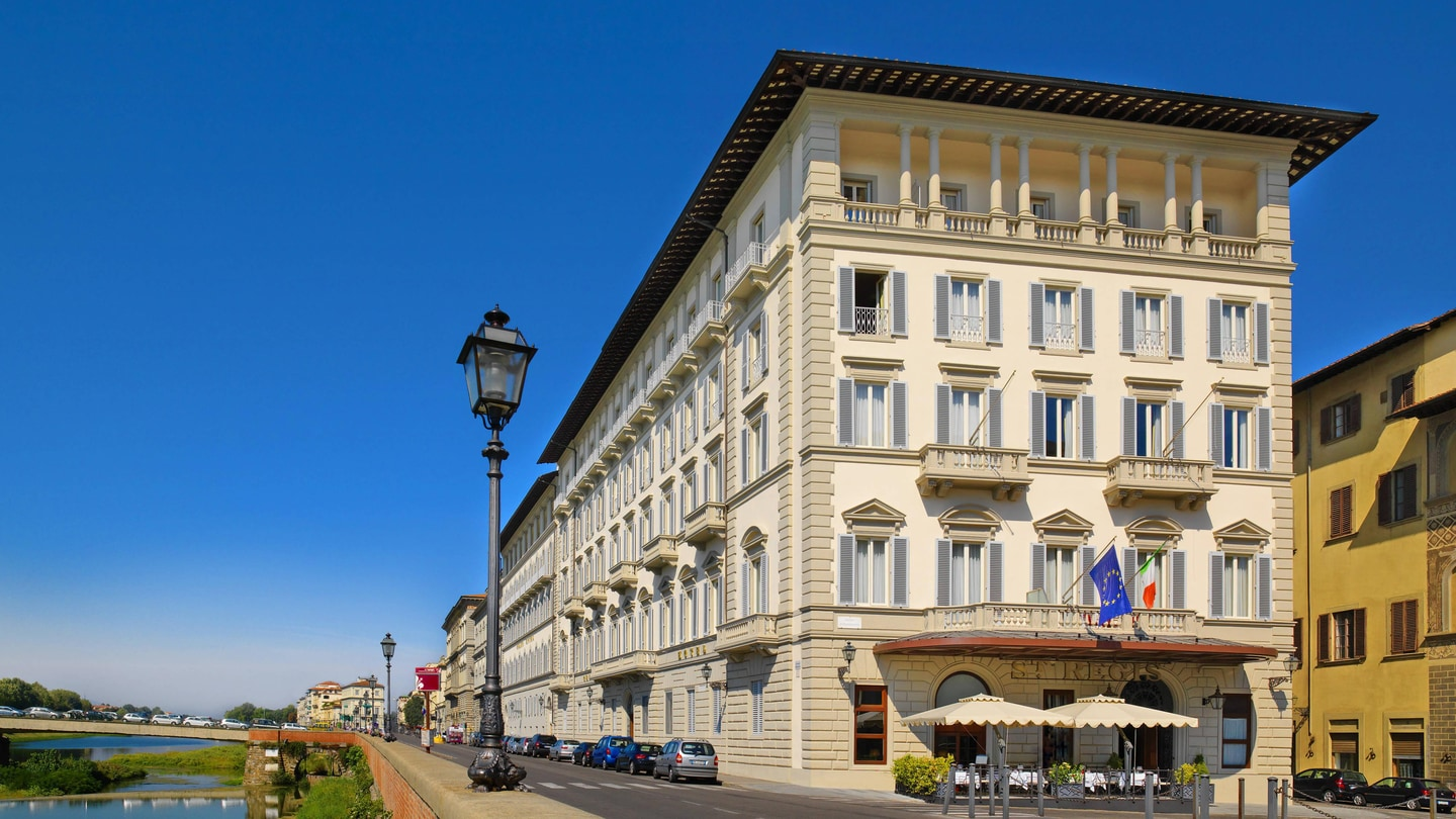 Luxury Hotel In Florence The St Regis Florence