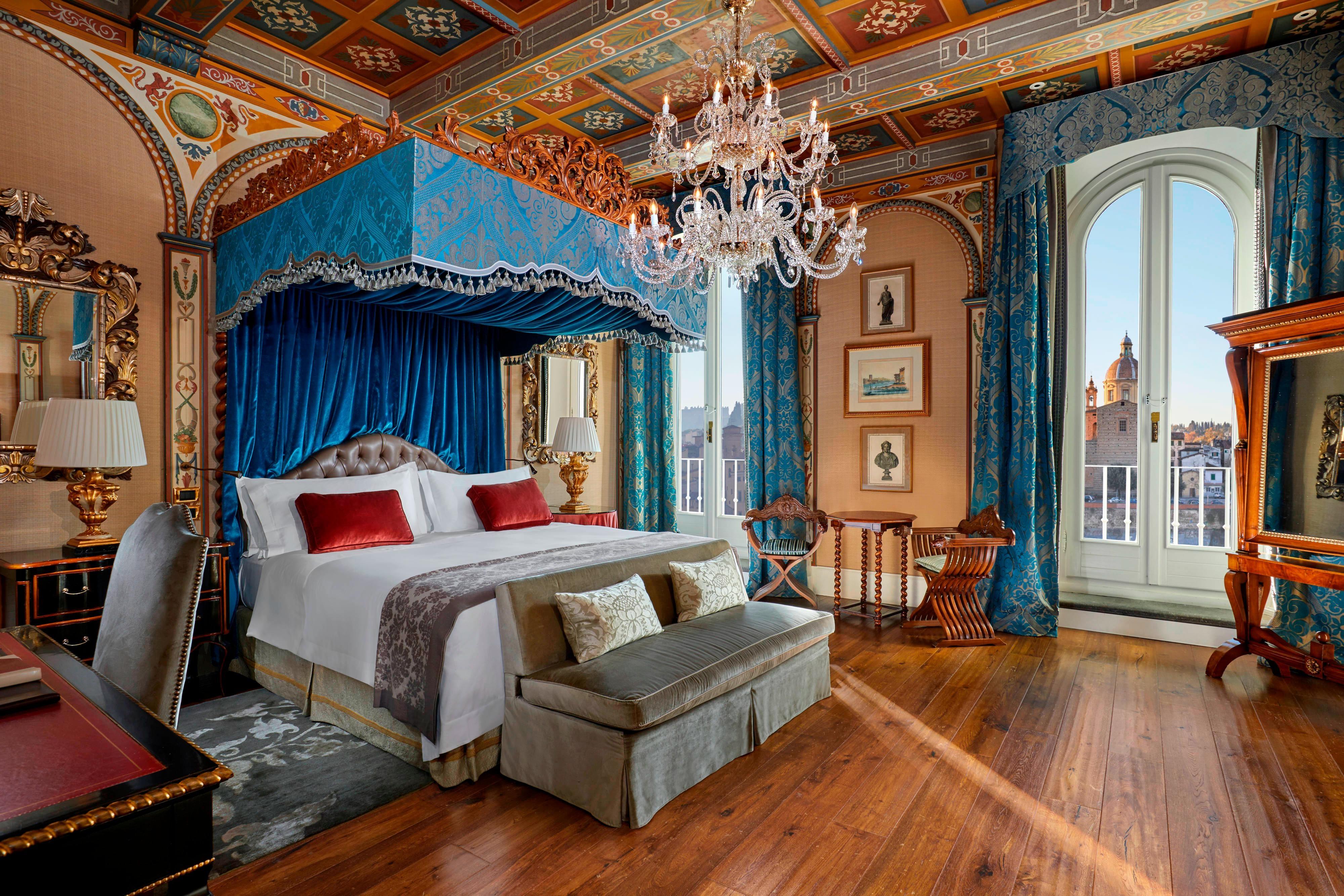Royal Suite Gioconda Bedroom - Renaissance style