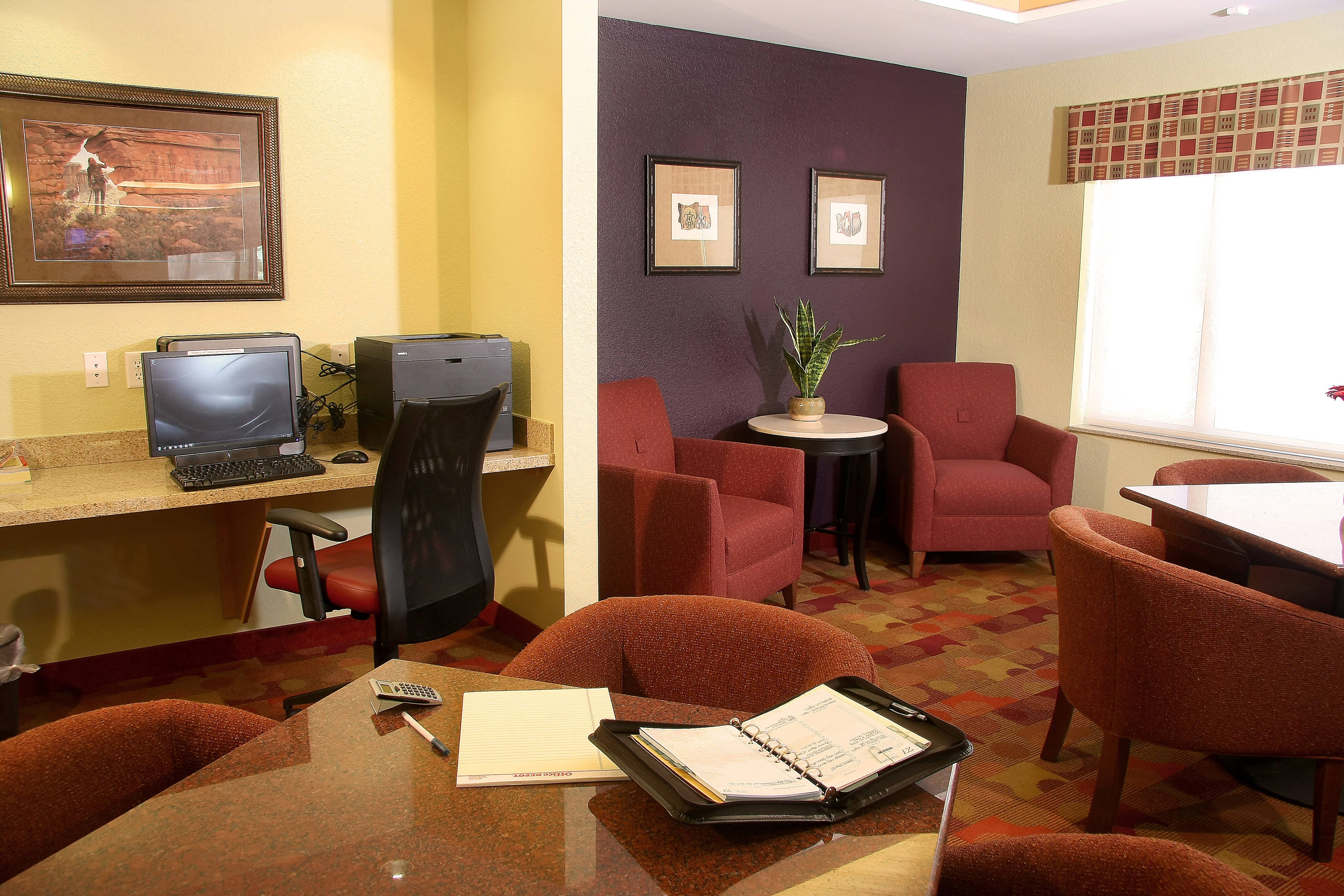 Farmington TownePlace All Suite Hotel Business Center