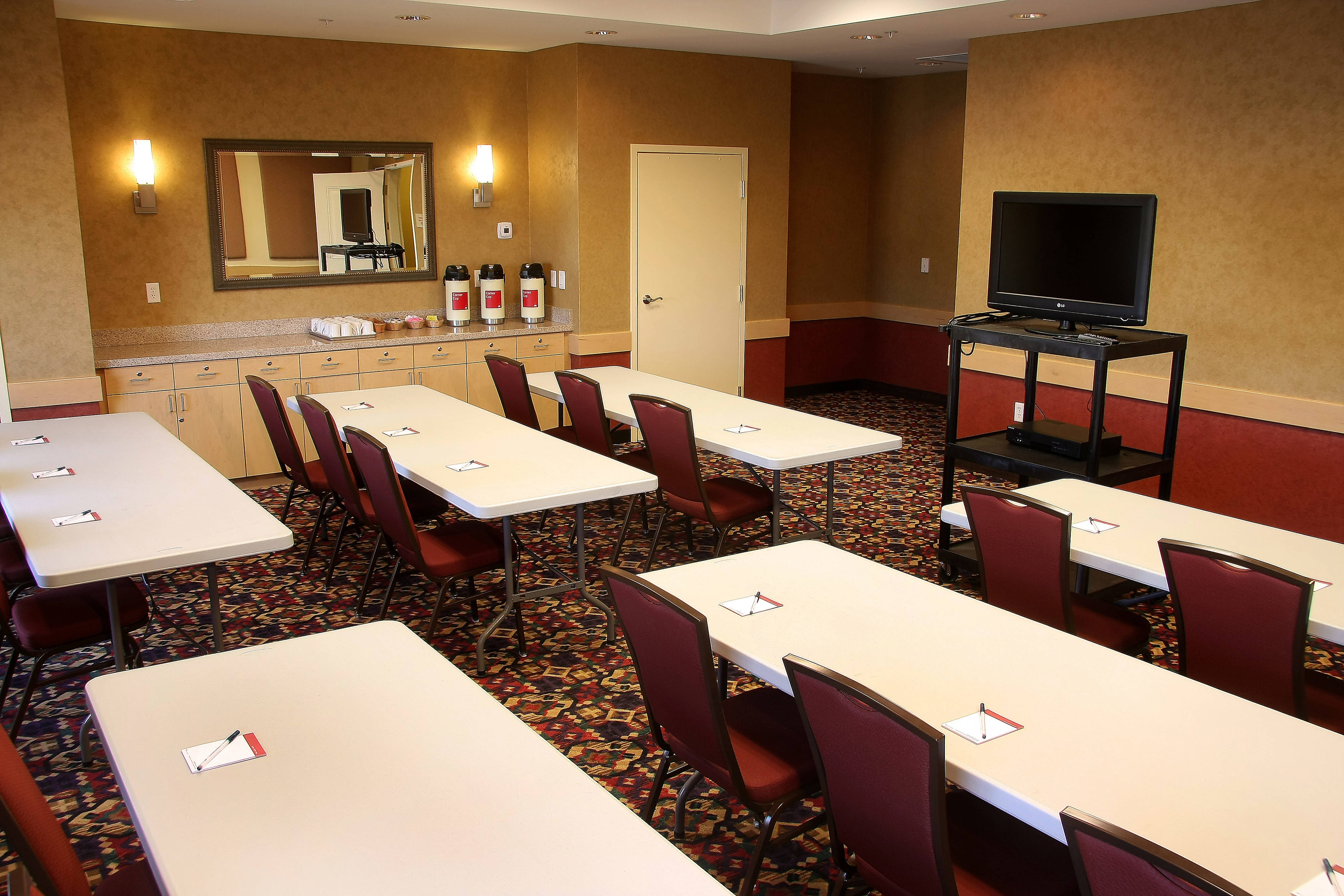 Farmington TownePlace All Suite Hotel Bisti Meeting Room – Classroom Setup