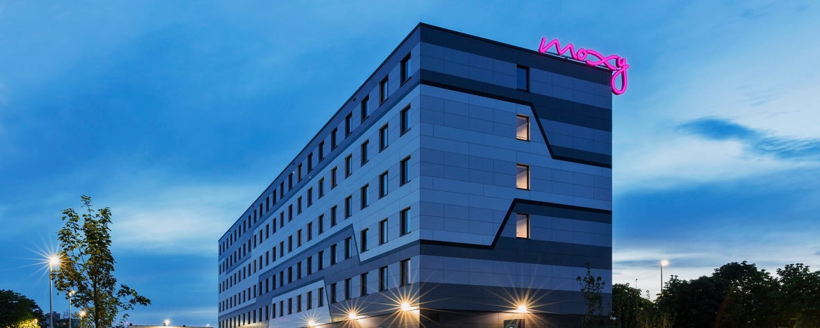New Stylish And Affordable Hotel Near Frankfurt Airport