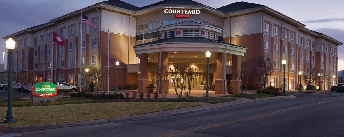 hotel in fort smith ar near convention center courtyard. Black Bedroom Furniture Sets. Home Design Ideas