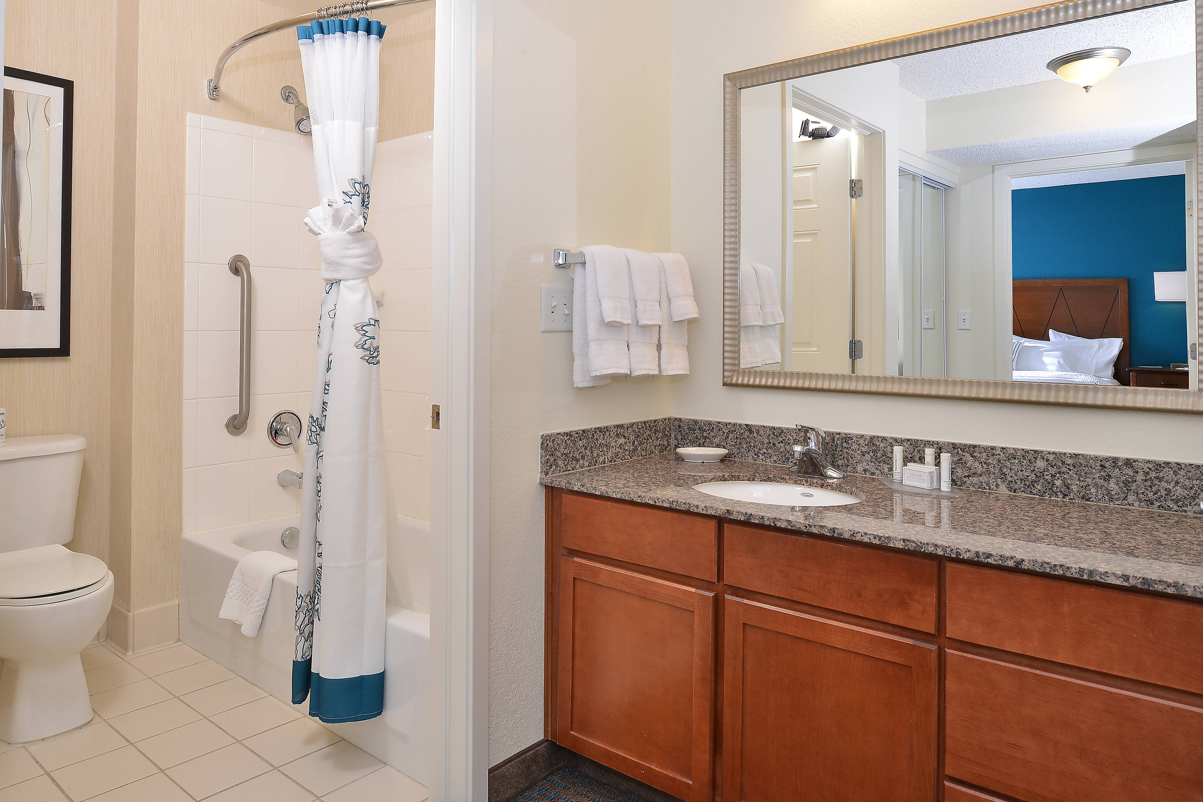 Loveland Fort Collins Extended Stay Hotel Bathroom