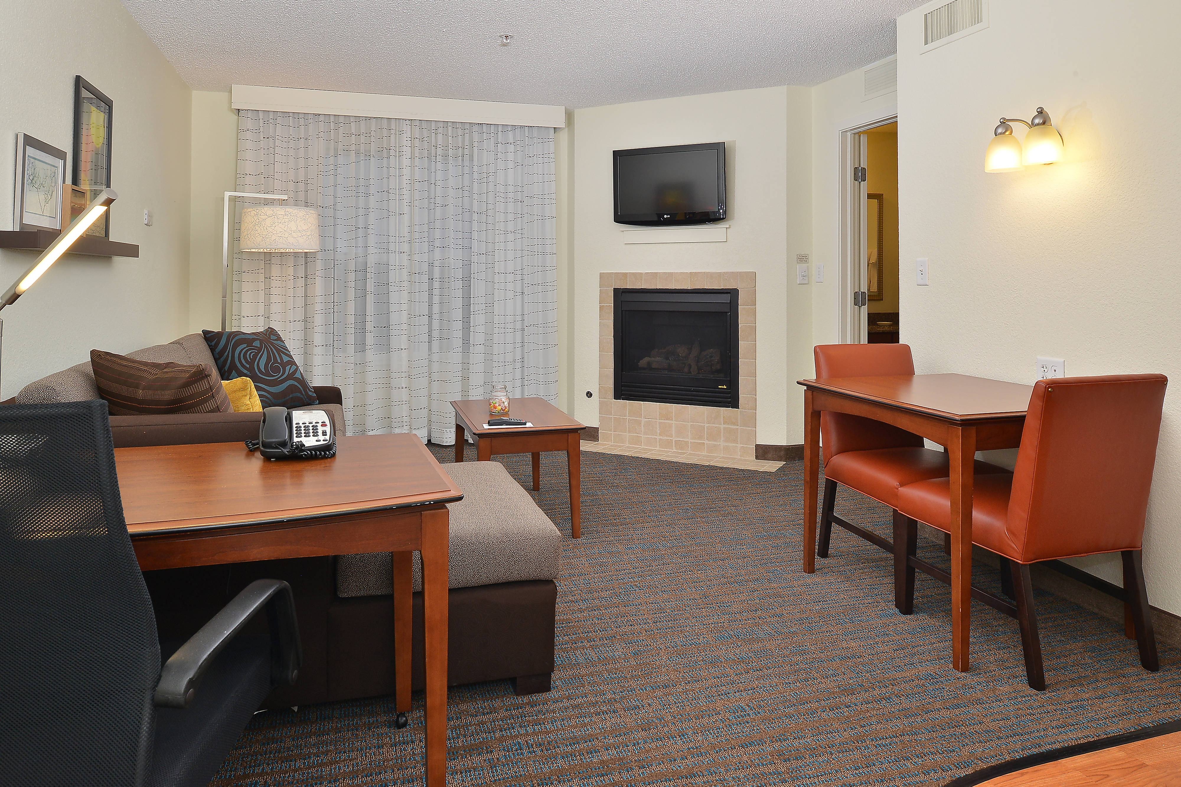 Loveland Colorado Hotel Suite with Fireplace