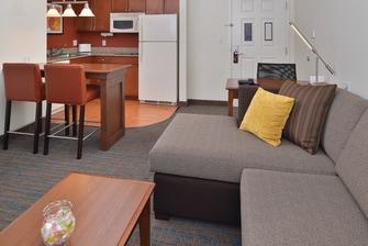 Loveland Fort Collins Hotel Suite Kitchen