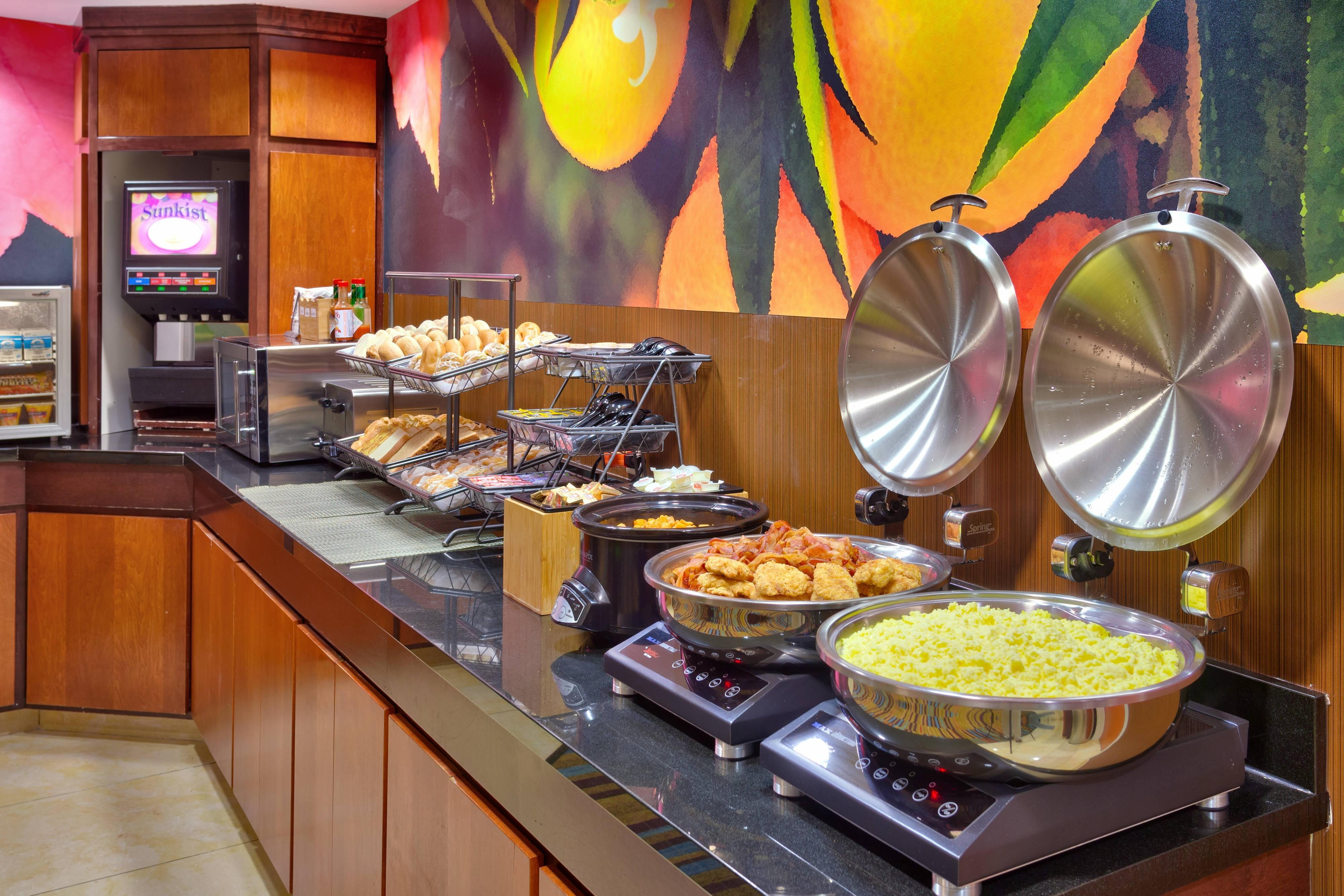 Breakfast Buffet - Hot Items