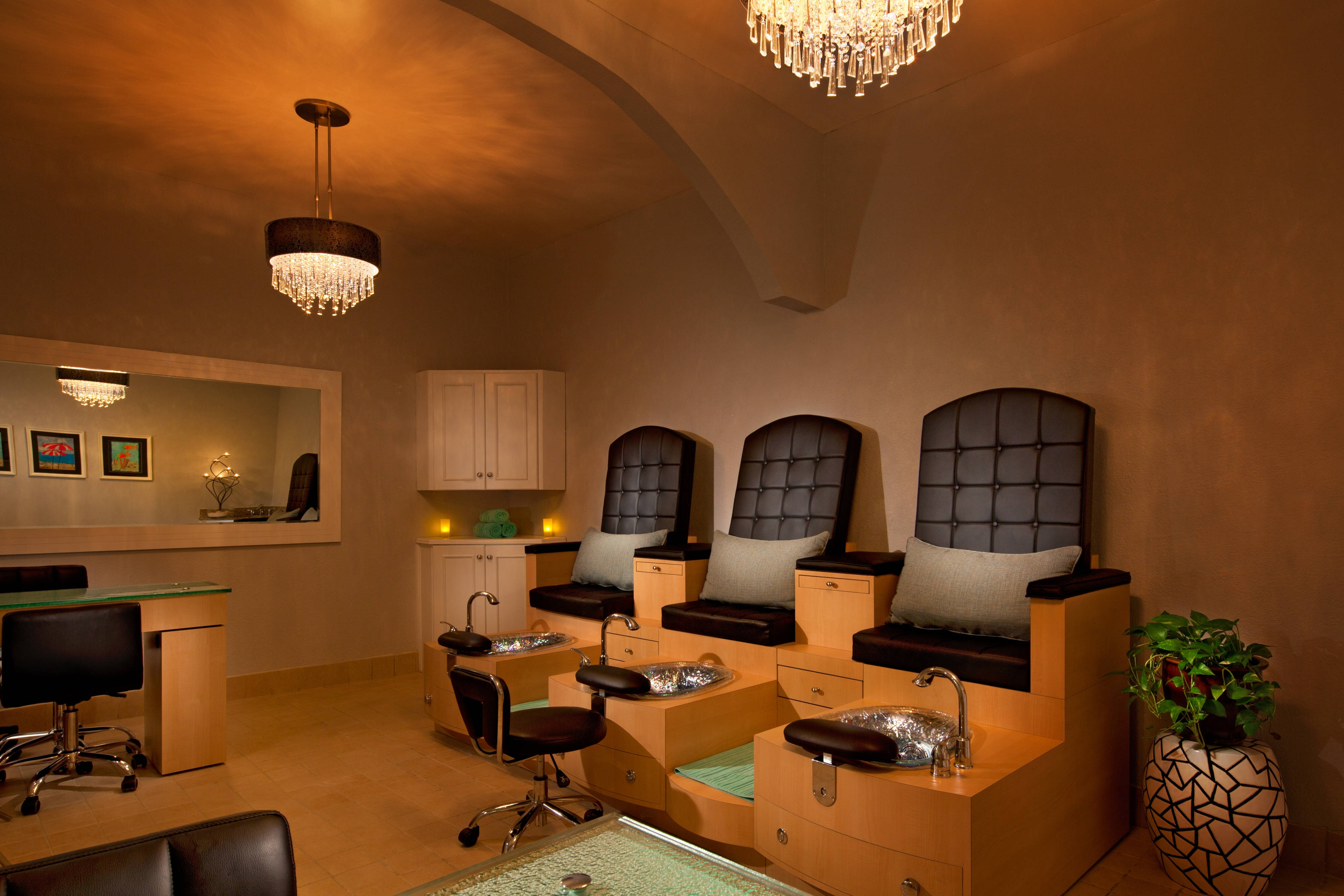 Salle de soins des ongles du spa Hibiscus