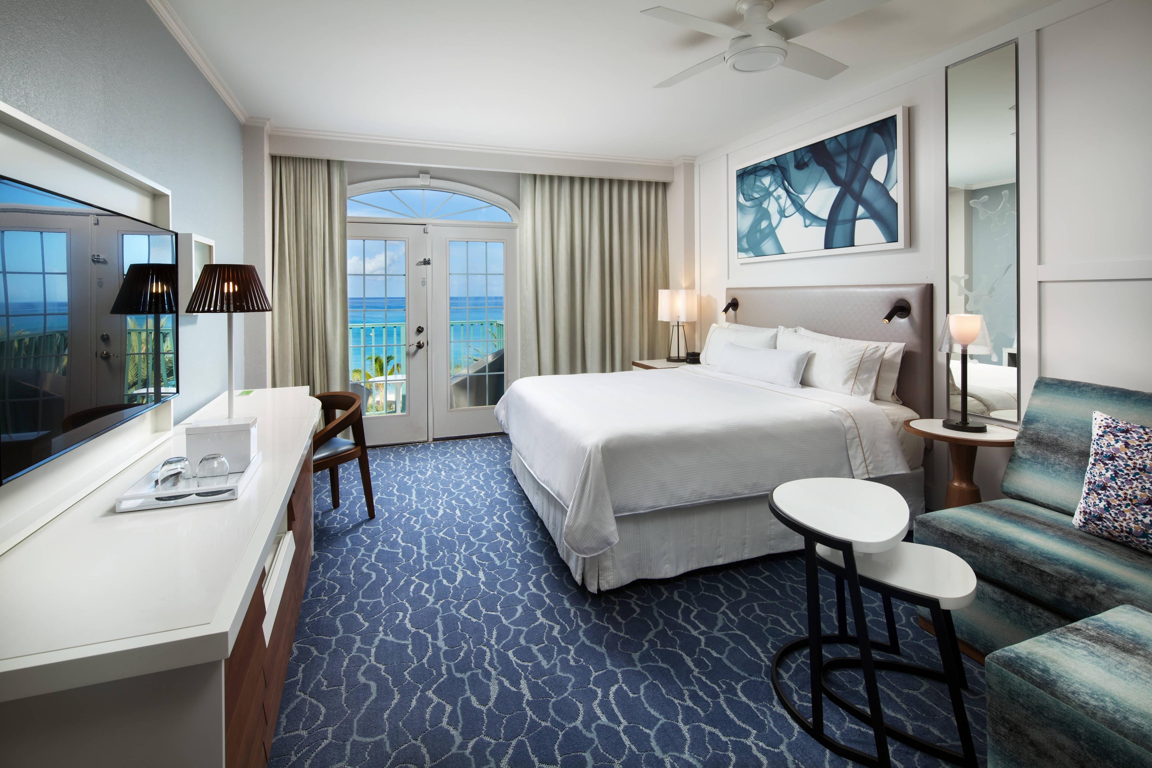 Camera con letto matrimoniale King, vista sull'oceano e piscina