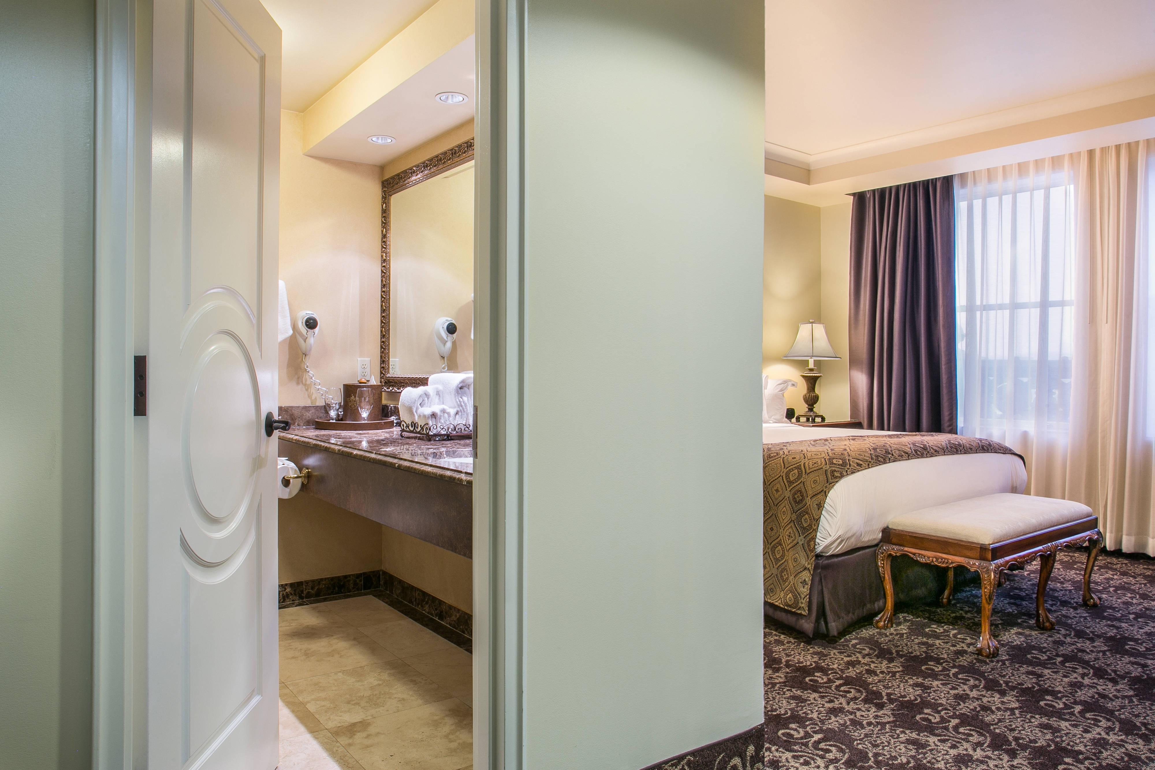 Davenport Hotel Bathroom