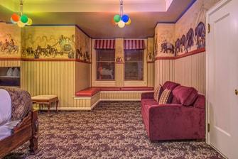 Davenport Hotel Circus Room