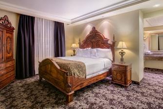 Davenport Hotel Cutter Suite