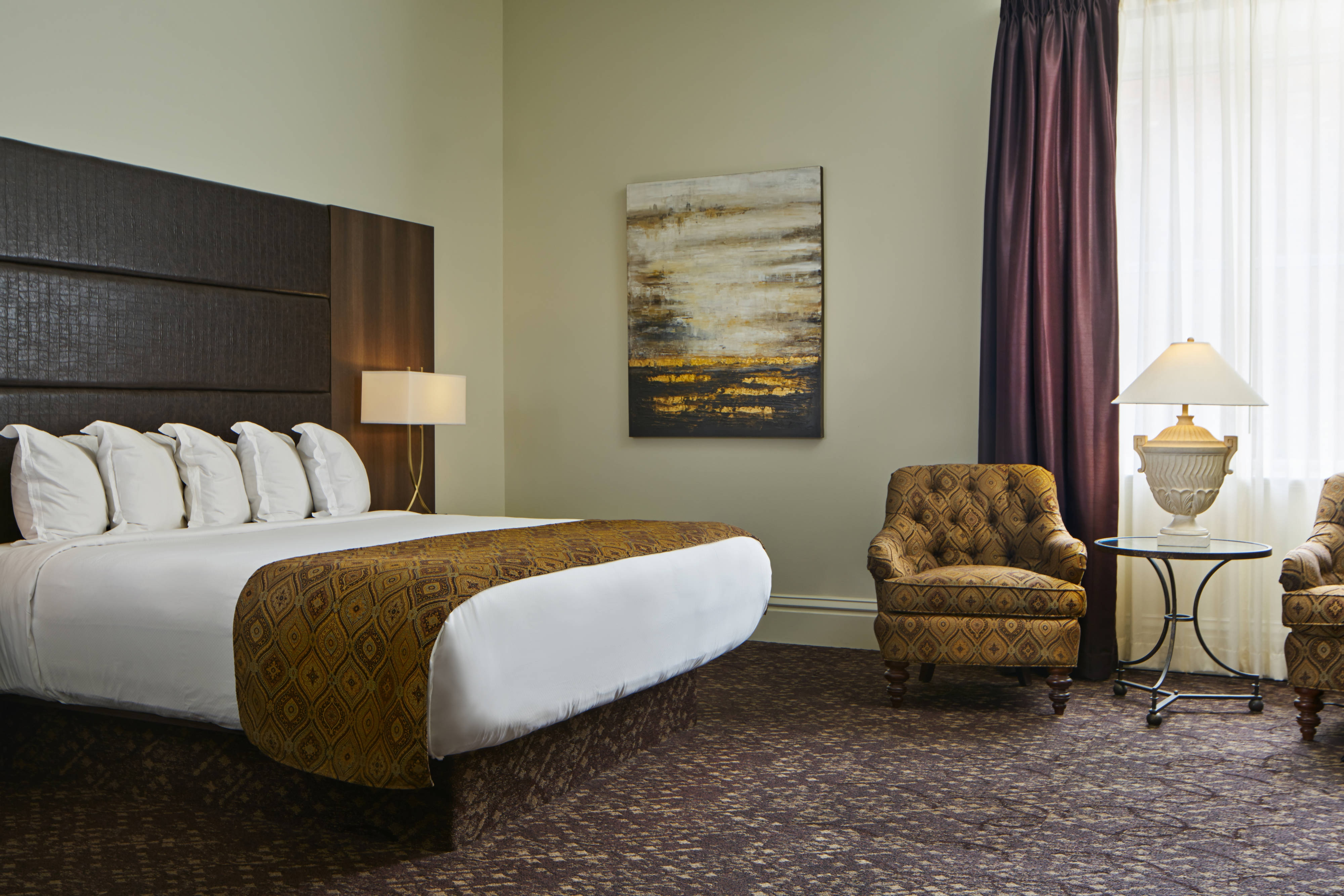 Lusso Deluxe Larger Guest Room