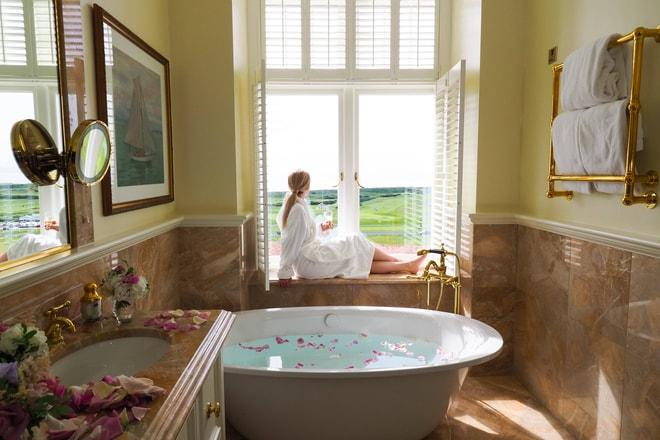 Deluxe OceanView Bathroom